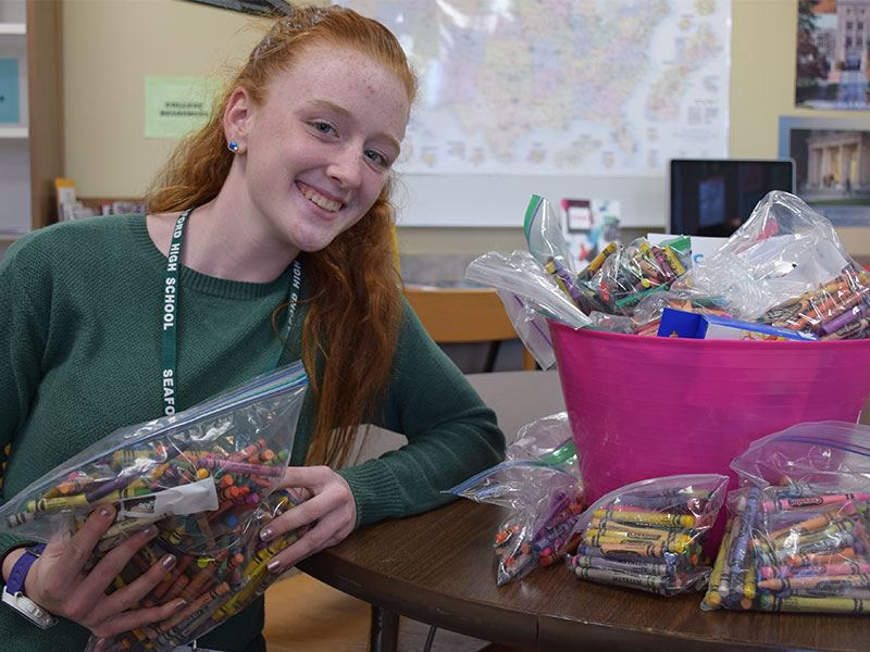 High School Student Finds a Colorful Way to Give