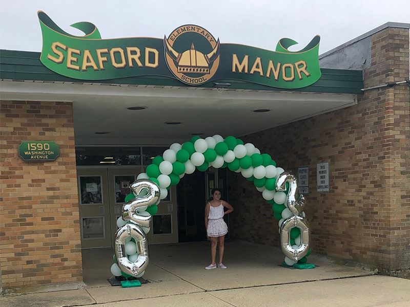 Moving-up Motorcades for Seaford Fifth Graders