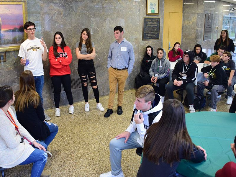 Seaford Alumni Share College Selection Tips