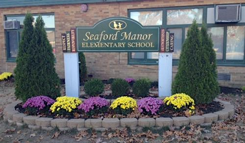 manor sign